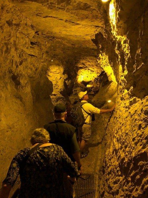 hezekiah's tunnel -min